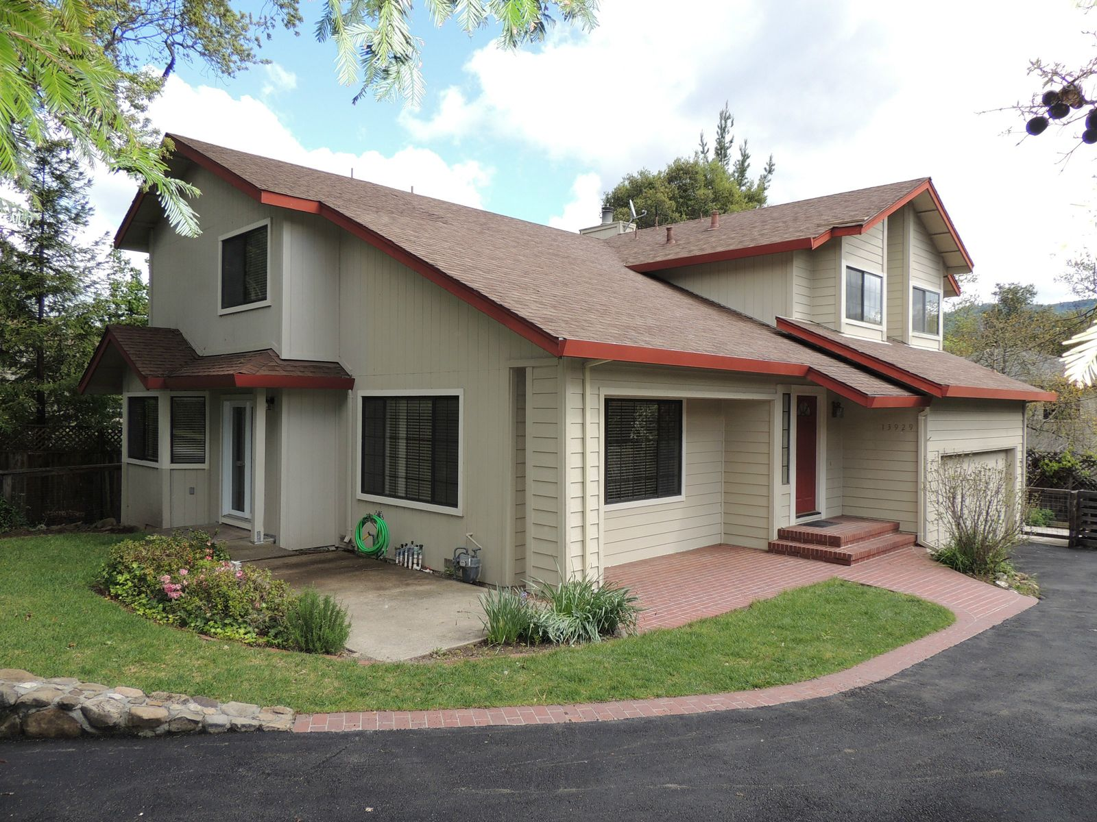 Spacious Home on a Hidden Lane, Sonoma CA Single Family Home - Sonoma - Napa Real Estate