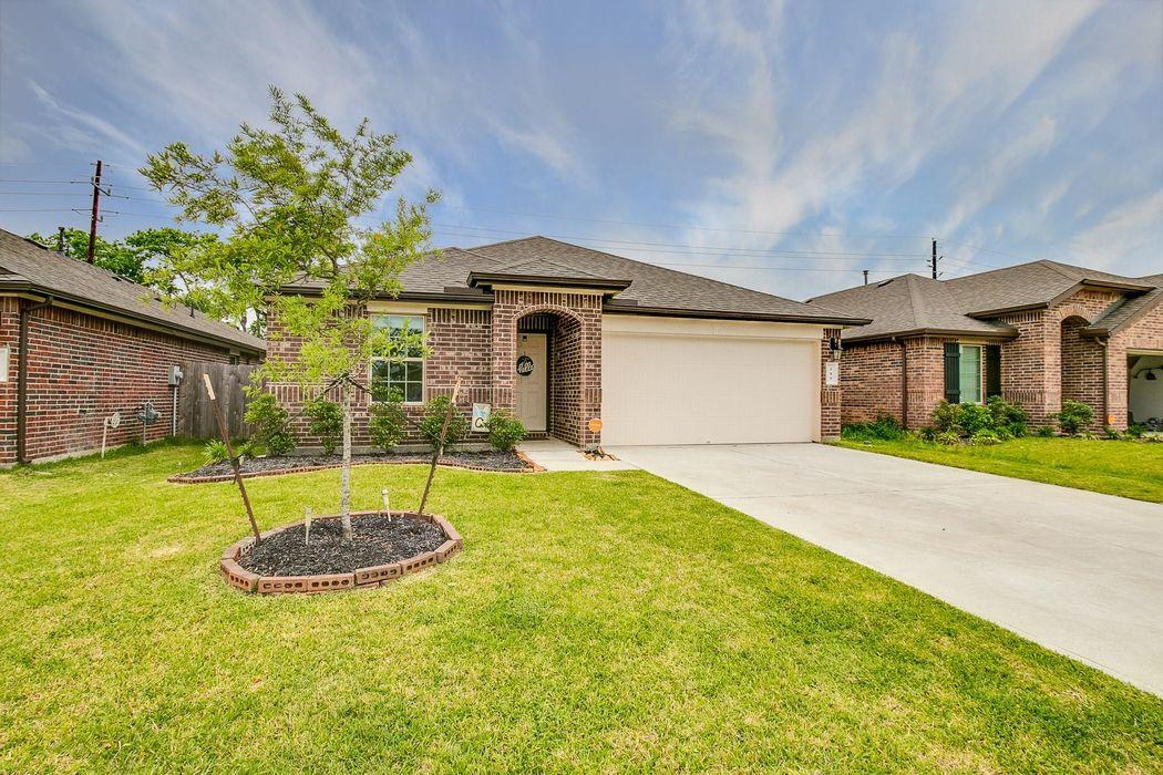 219 Ashley Falls Lane Rosharon, TX 77583