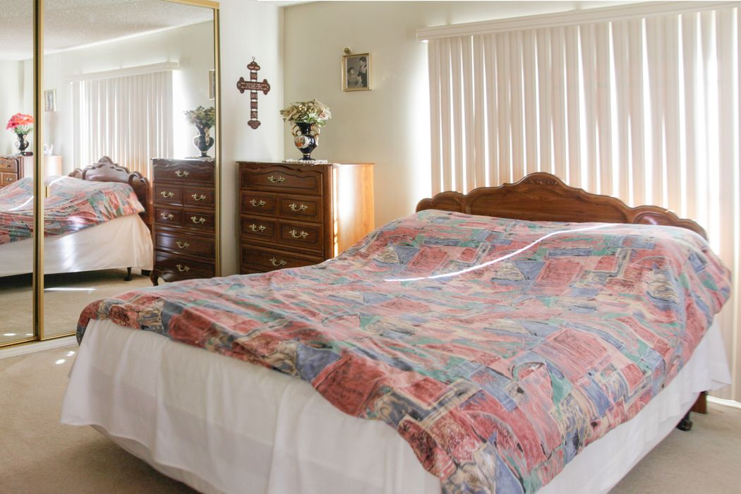8824 Costello Avenue Panorama City, CA 91402