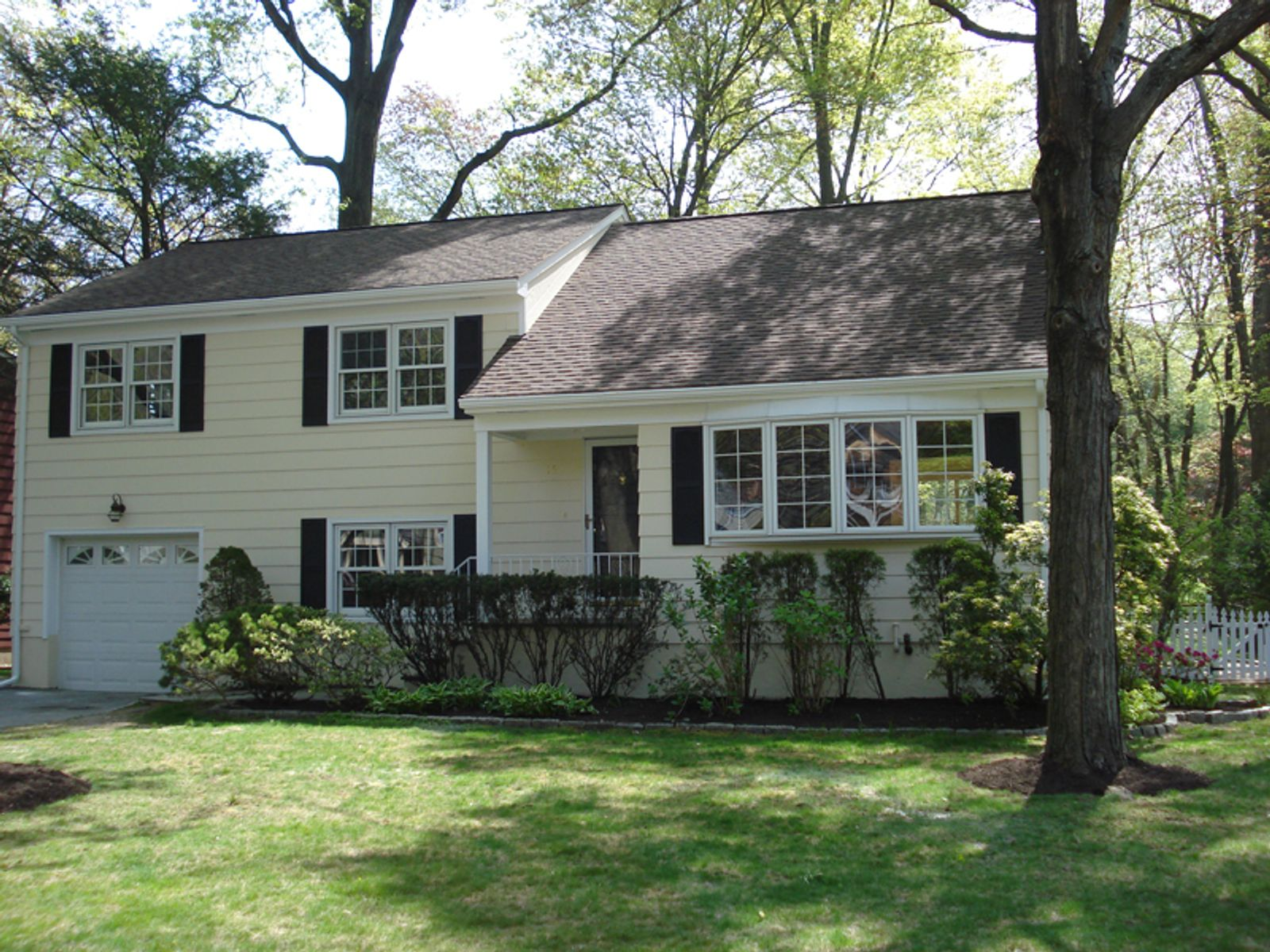 Commuter's Dream, Old Greenwich CT Single Family Home - Greenwich Real Estate