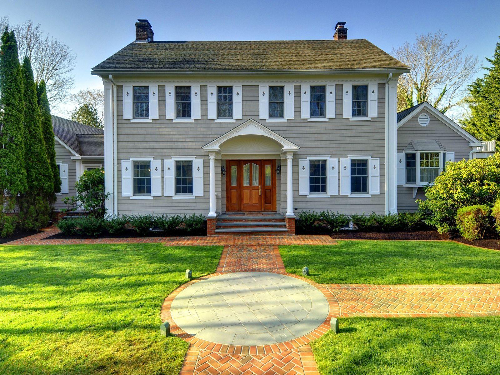 East hampton village east hampton ny single family home for Hamptons beach house for sale
