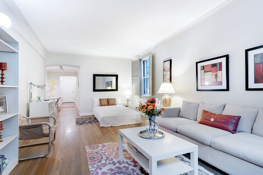 310 West 55th Street, Apt. 2B
