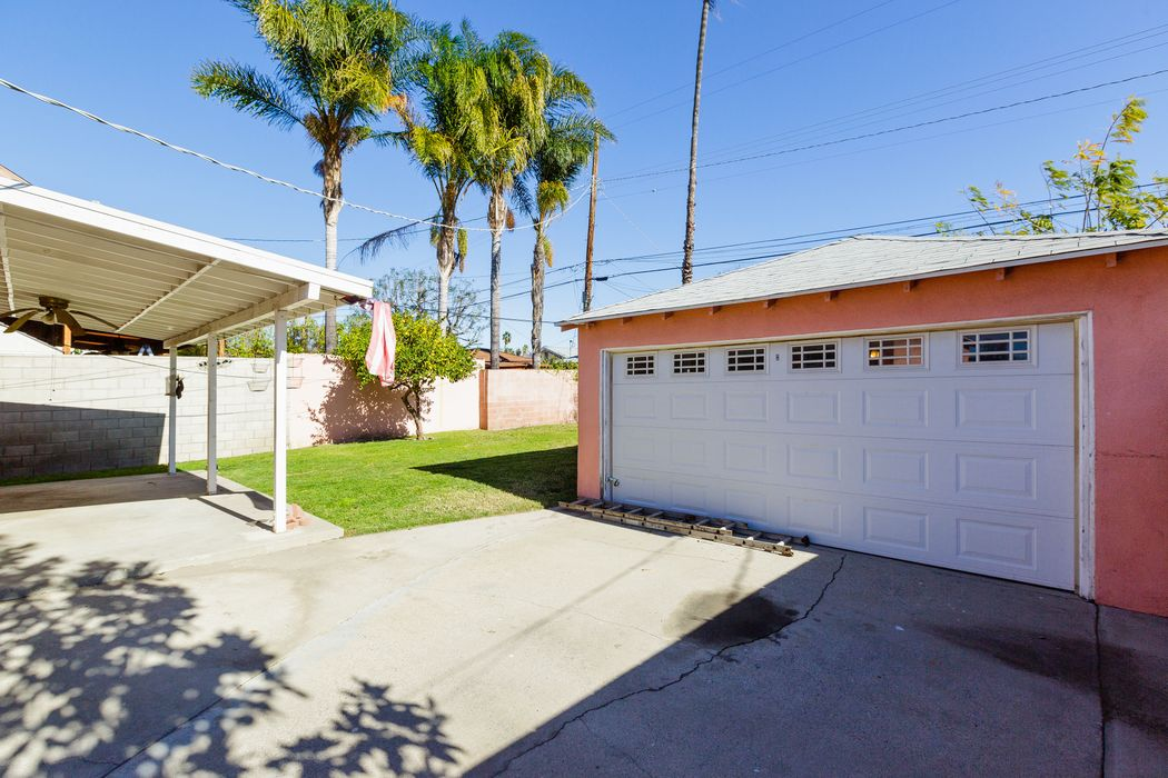 6502 Beeman Avenue Los Angeles, CA 91606