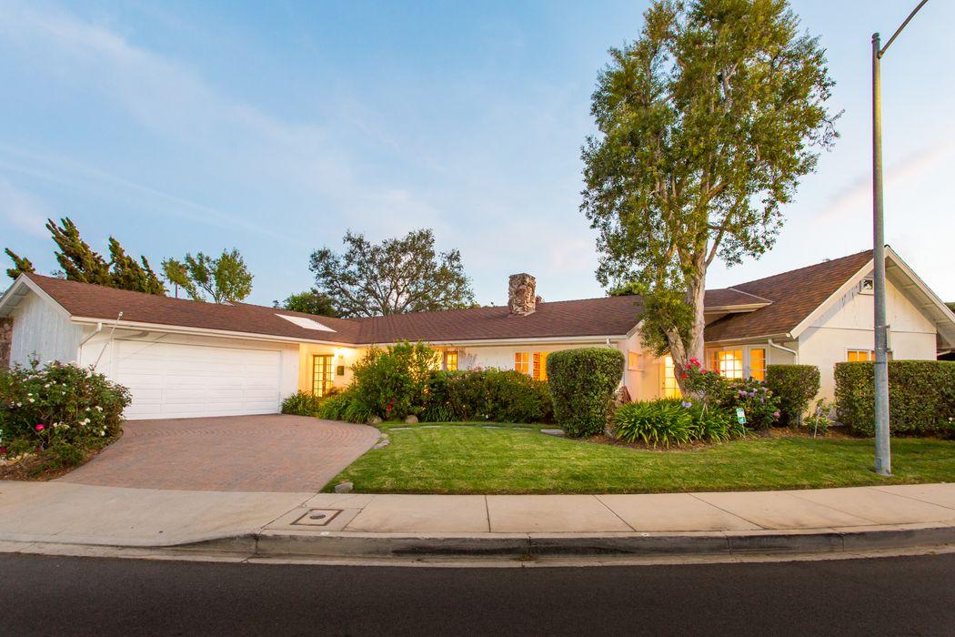 1971 Westridge Road Los Angeles, CA 90049