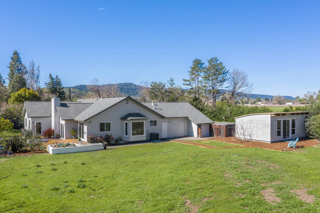 8727 Sonoma Hwy Kenwood, CA 95452