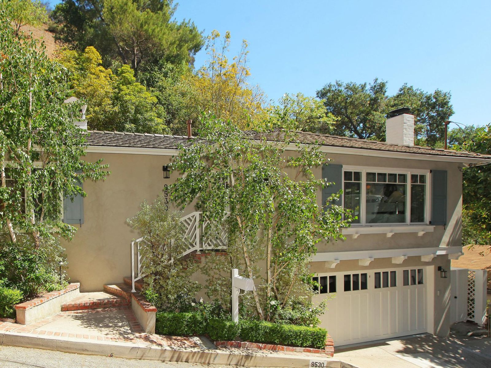9530 Cedarbrook Drive, Beverly Hills CA Single Family Home - Los Angeles Real Estate