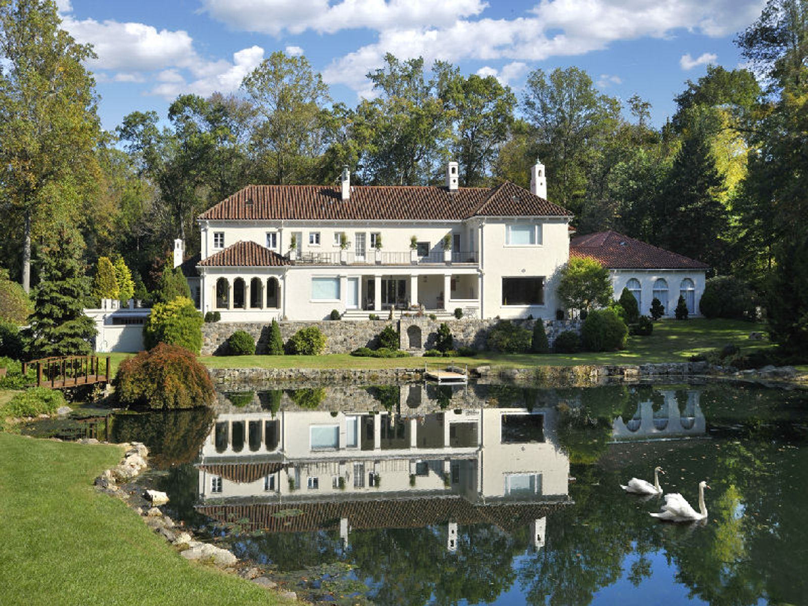Magnificent Lakefront Estate, Greenwich CT Single Family Home - Greenwich Real Estate