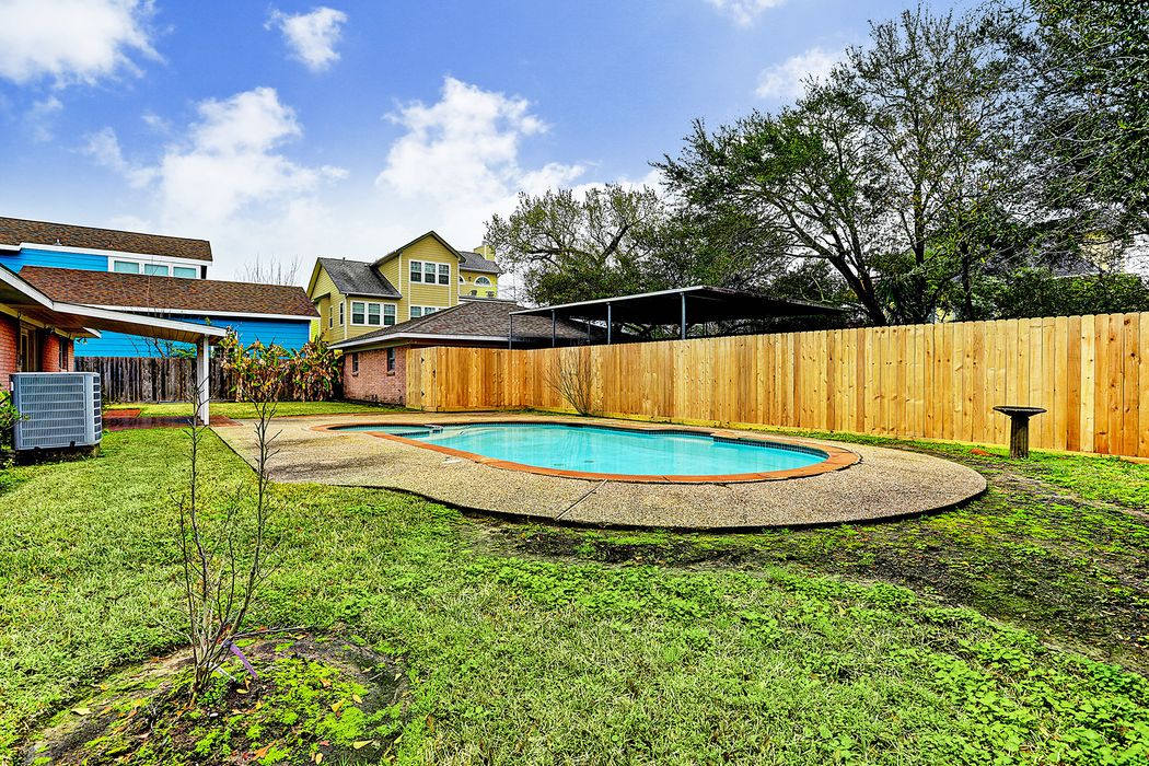 529 Clear Lake Road Clear Lake Shores, TX 77565