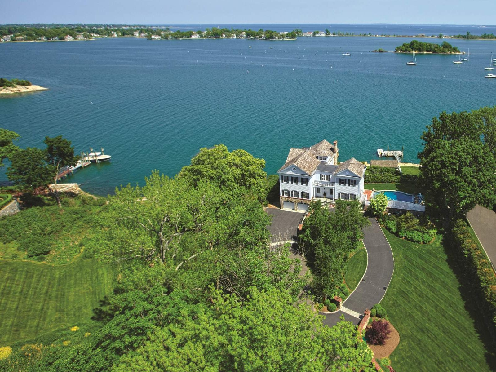 Waterfront Paradise, Riverside CT Single Family Home - Greenwich Real Estate