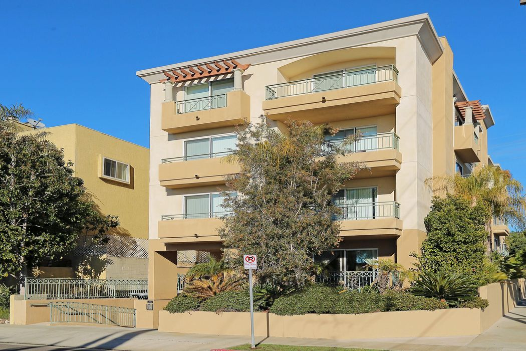 11863 Texas Ave. Los Angeles, CA 90025