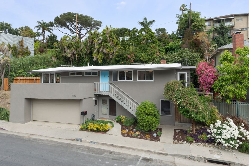 1660 Redcliff Street Los Angeles, CA 90026