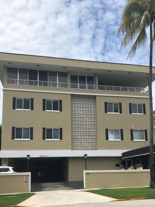 227 Brazilian Ave Palm Beach, FL 33480
