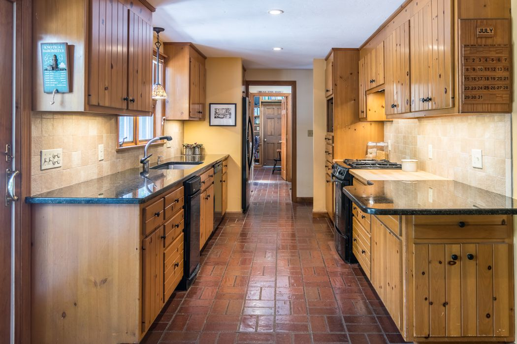 318 Tower Hill Road Osterville, MA 02655