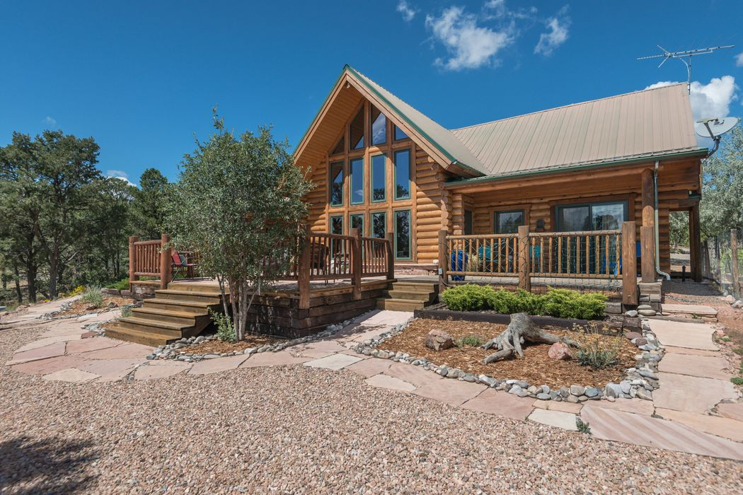 208 Apache Ridge Road Santa Fe, NM 87505