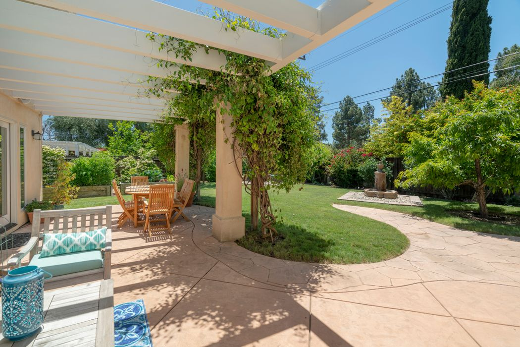 1021 Valley High Avenue Thousand Oaks, CA 91362
