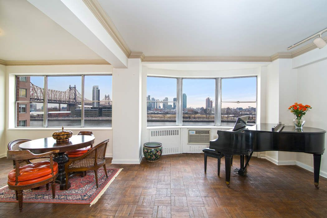 Gracious 2 BR w/ Captivating River Views