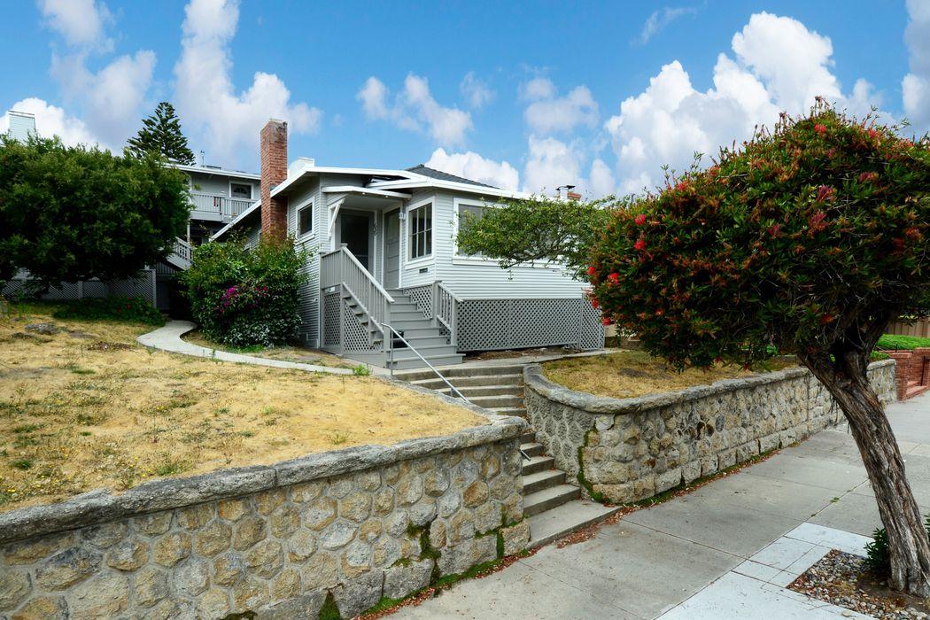 639 Hawthorne Street Monterey, CA 93940