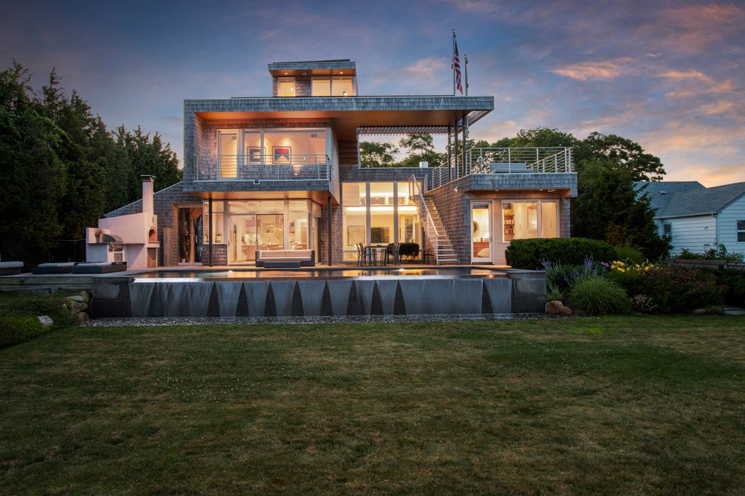 Exquisite Modern Waterfront Sag Harbor, NY 11963