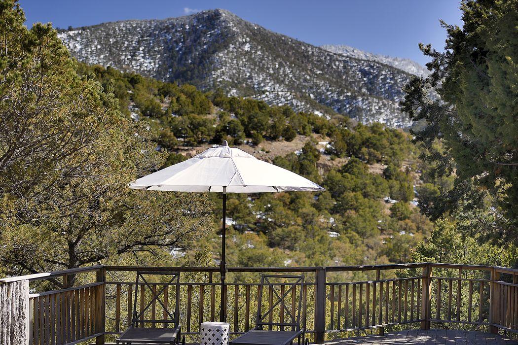1569 Cerro Gordo Rd Santa Fe, NM 87501
