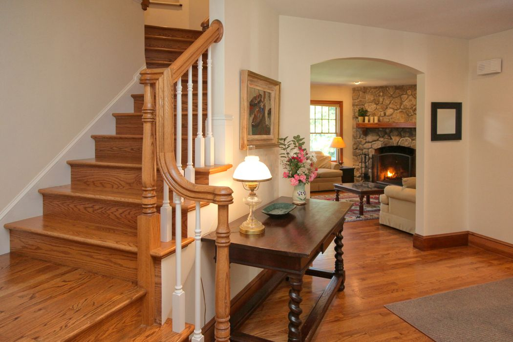 210 Quissett Avenue Woods Hole, MA 02543