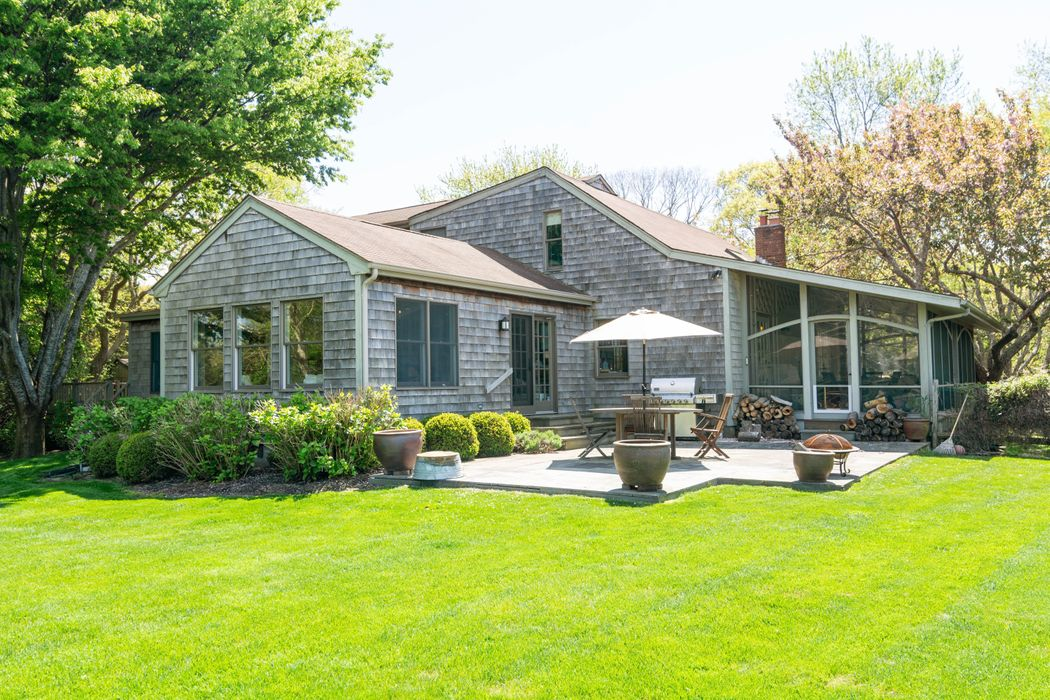 251 Blank Lane Water Mill, NY 11976