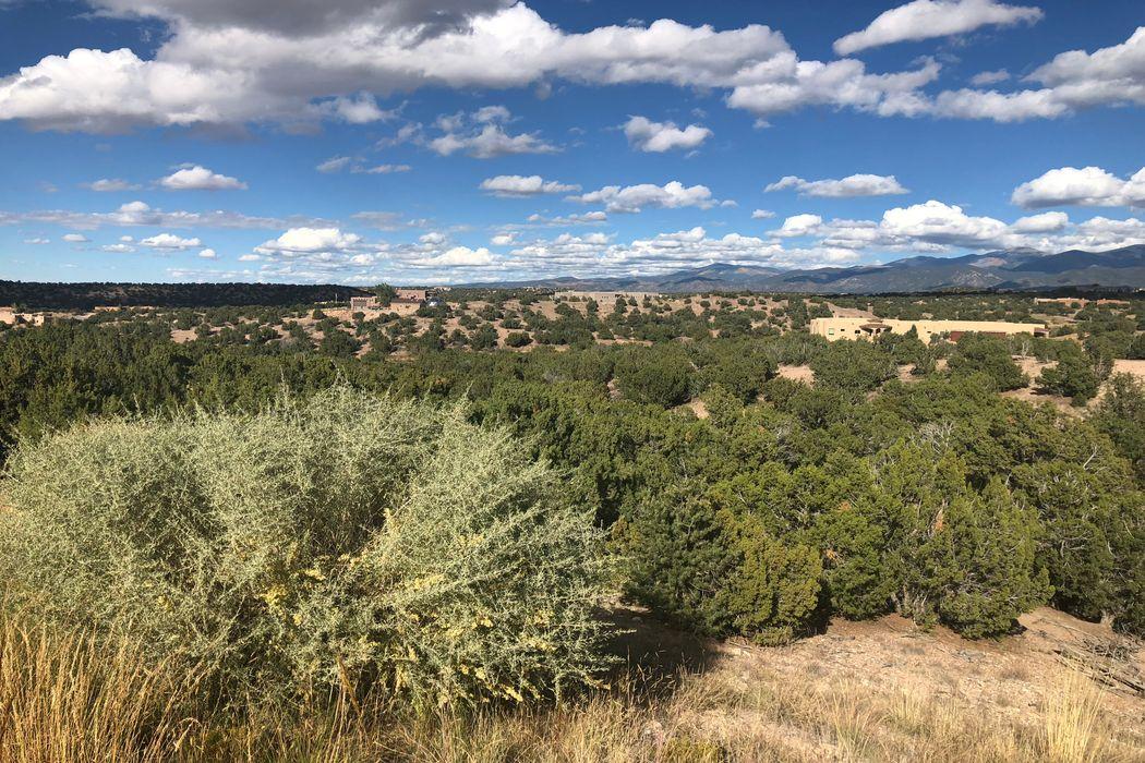 43 Thundercloud Santa Fe, NM 87506