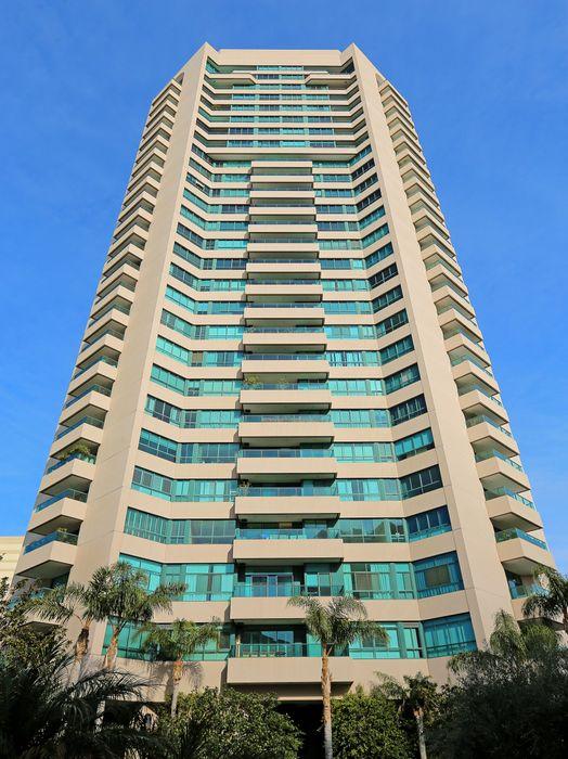 10490 Wilshire Blvd Los Angeles, CA 90024