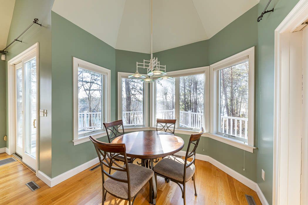 26 Quaker Run Road Mashpee, MA 02649