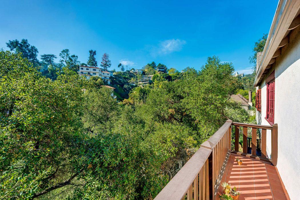 3072 Belden Drive Los Angeles, CA 90068