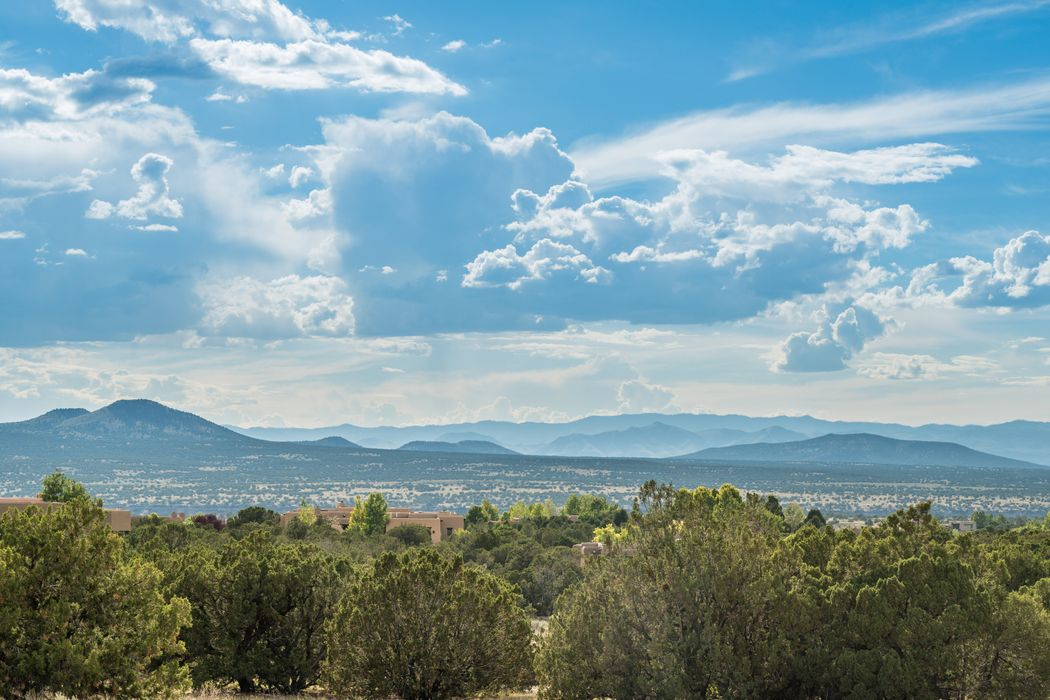 12 Santo Domingo Circle Santa Fe, NM 87506