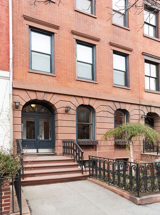 417 West 22nd Street Apt 1 New York Ny 10011 Sotheby S
