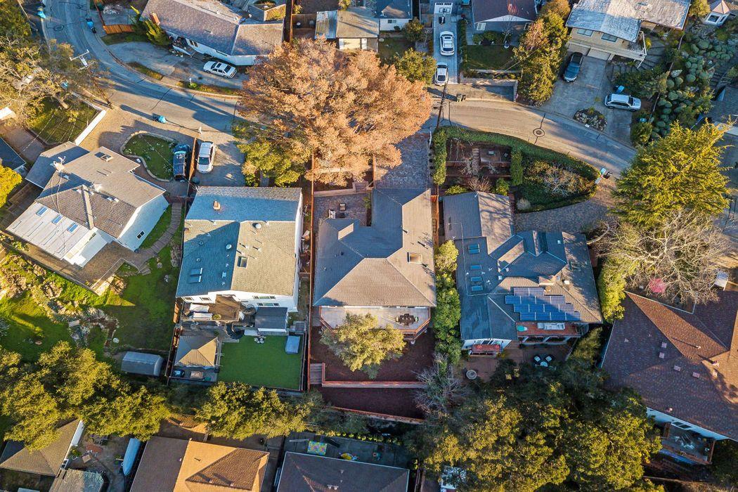 2514 Carmelita Ave Belmont, CA 94002