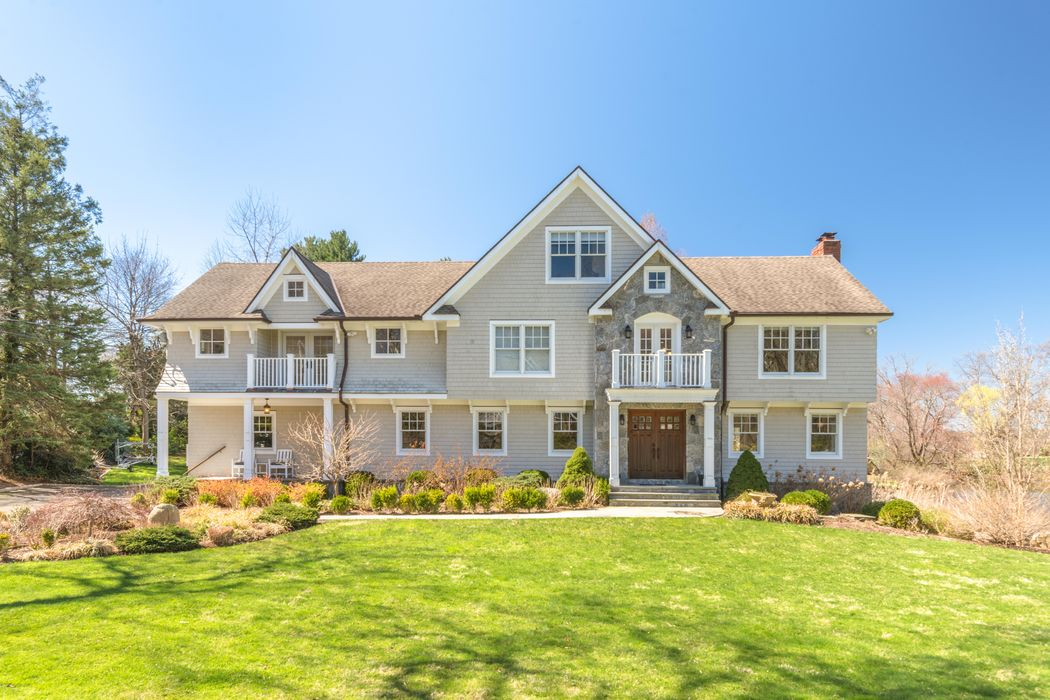 26 Twin Lakes Lane Riverside, CT 06878