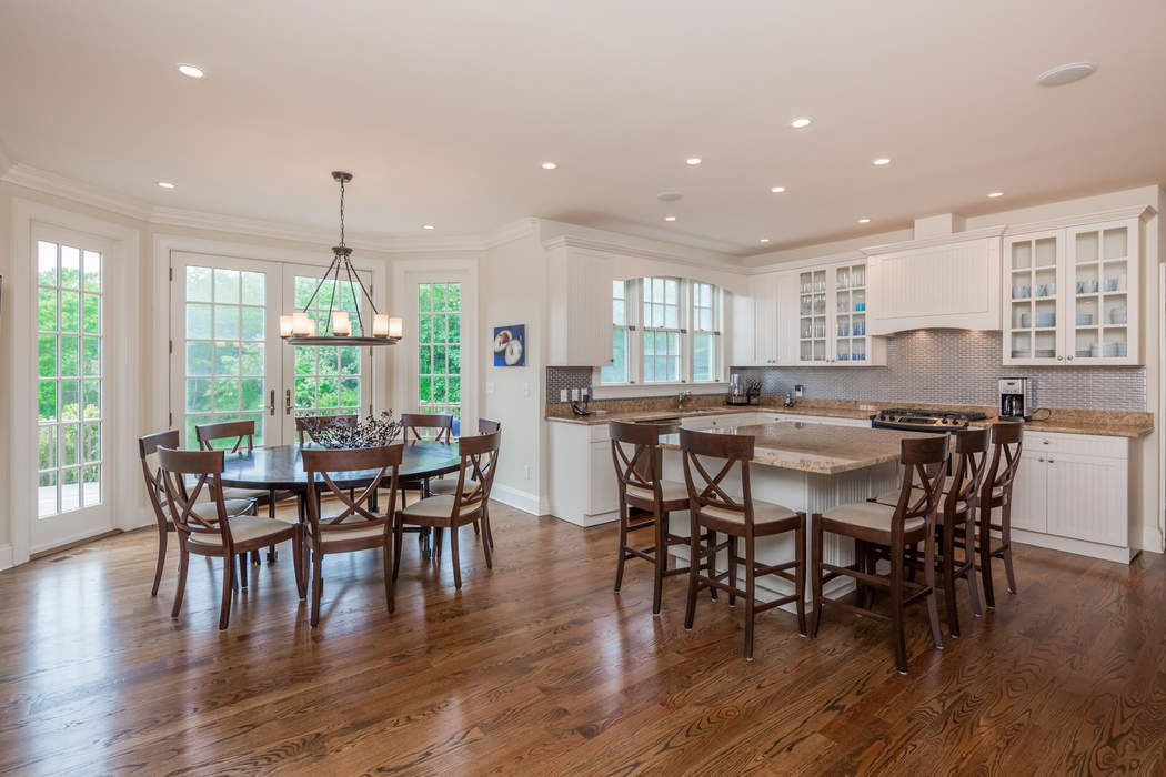 STYLISH BRIDGEHAMPTON NORTH GAMBREL Bridgehampton, NY 11932