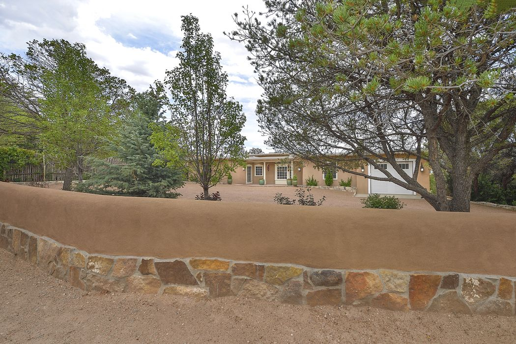 620 Camino Del Monte Sol Santa Fe, NM 87505