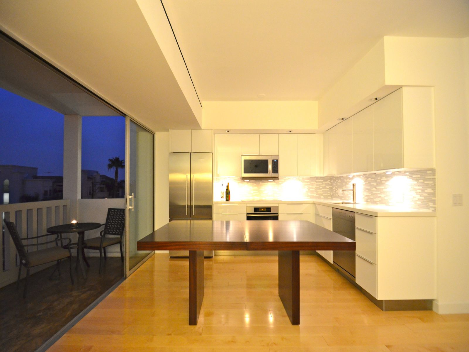 Sleek & Modern 1-Bedroom Condo