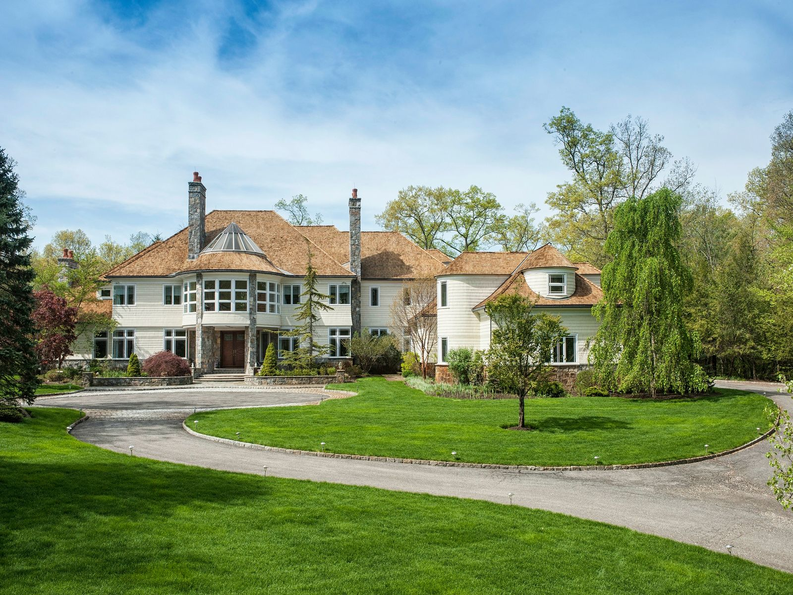 Beautiful Backcountry Retreat, Greenwich CT Single Family Home - Greenwich Real Estate