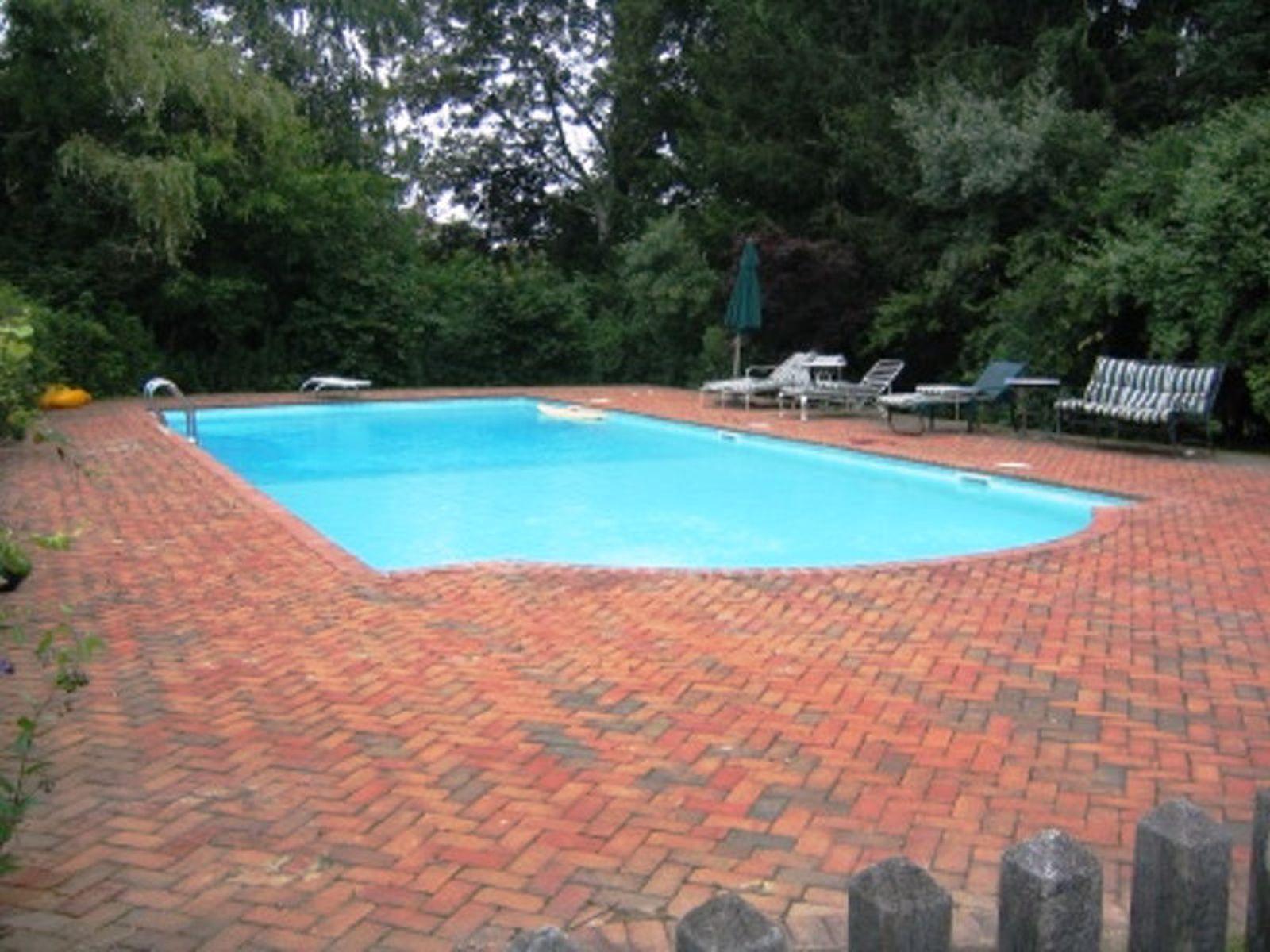 Bridgehampton Horse Country with Pool