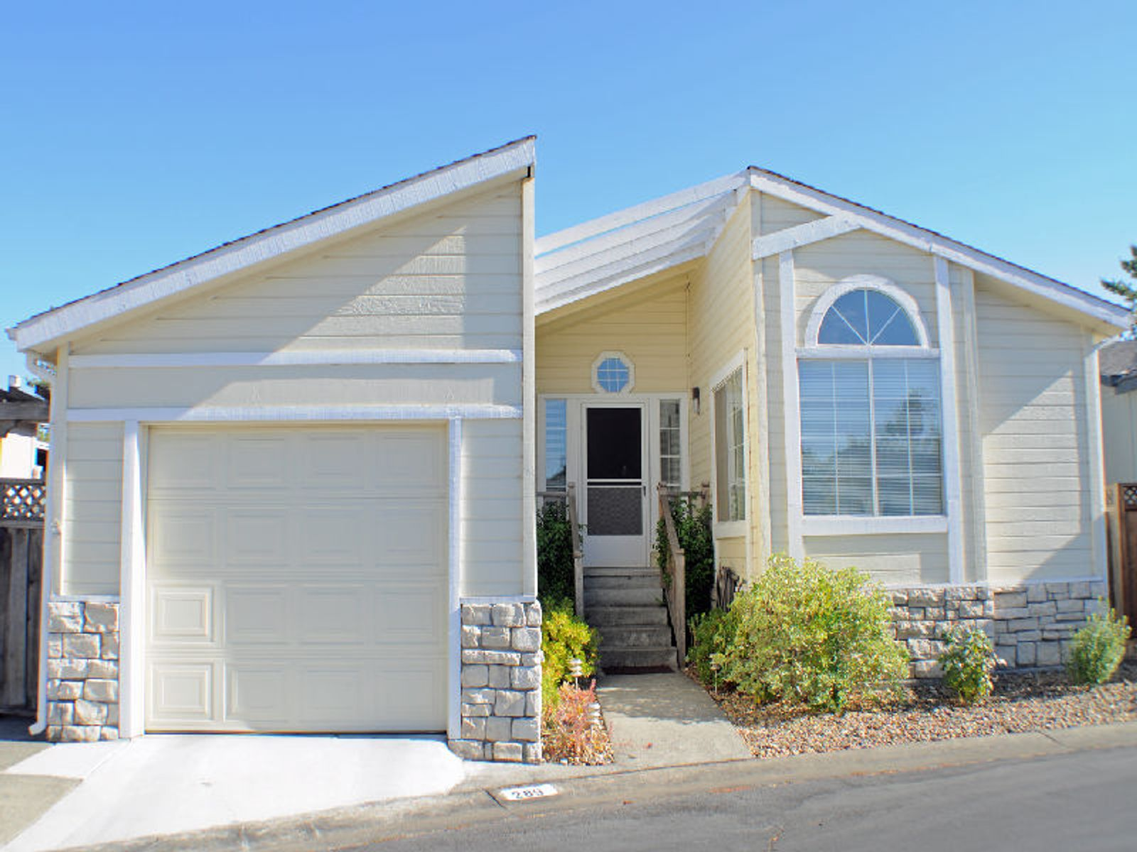 Mint Condition Modular, Sonoma CA Other Residential - Sonoma - Napa Real Estate