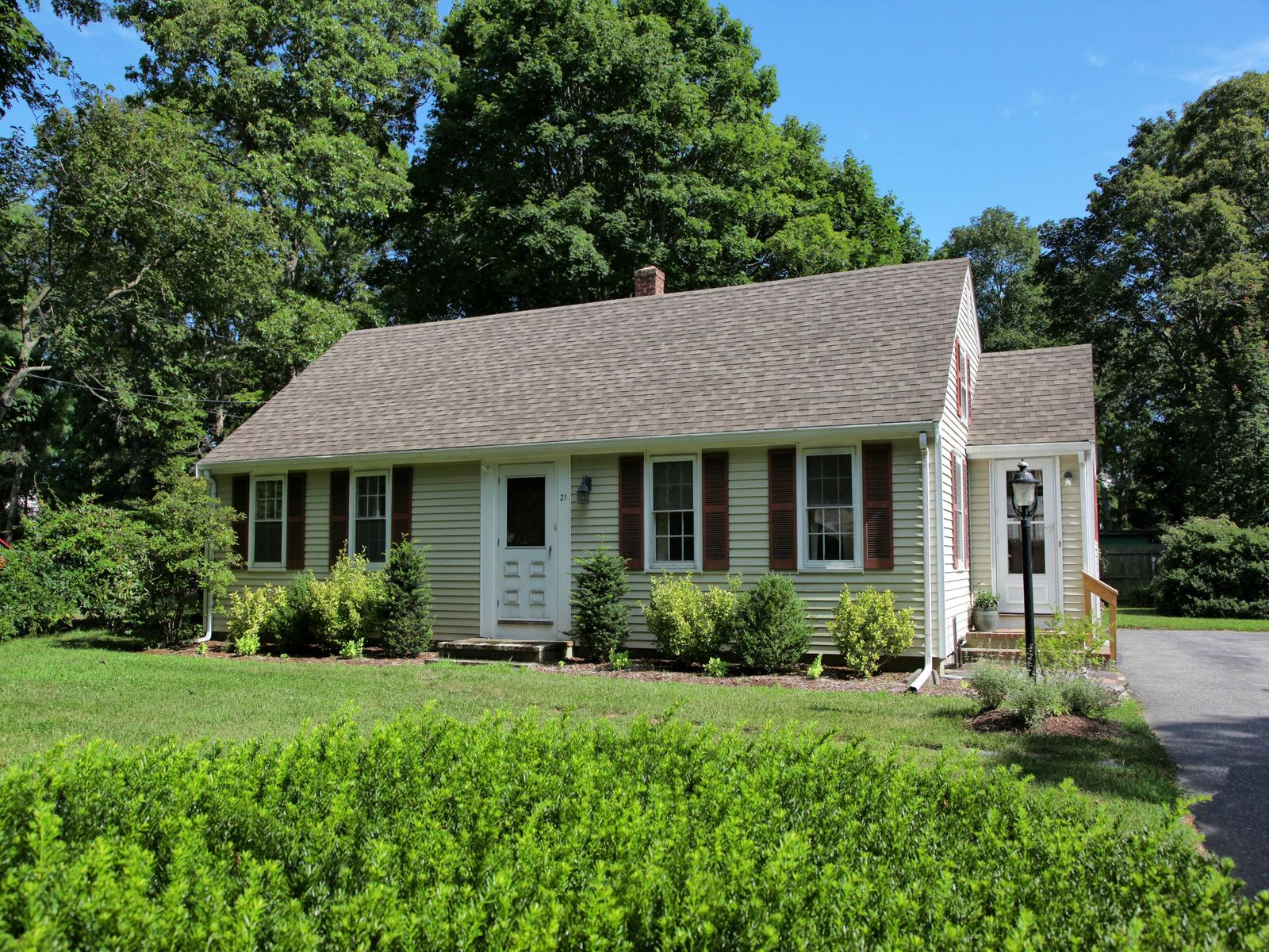 Mint Cape - Stroll to Association Beach, Falmouth MA Single Family Home - Cape Cod Real Estate