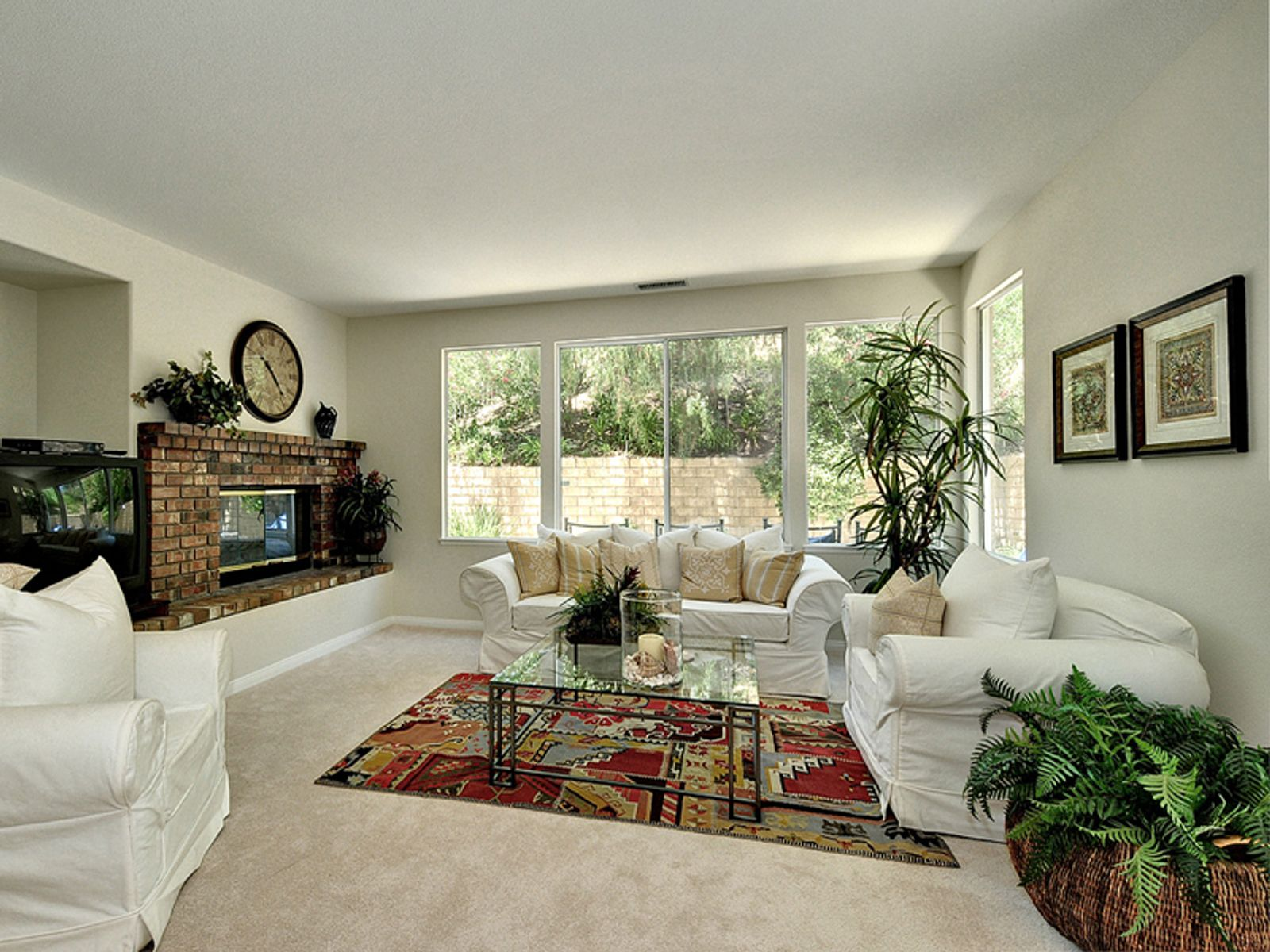 Inviting Home in Lang Ranch
