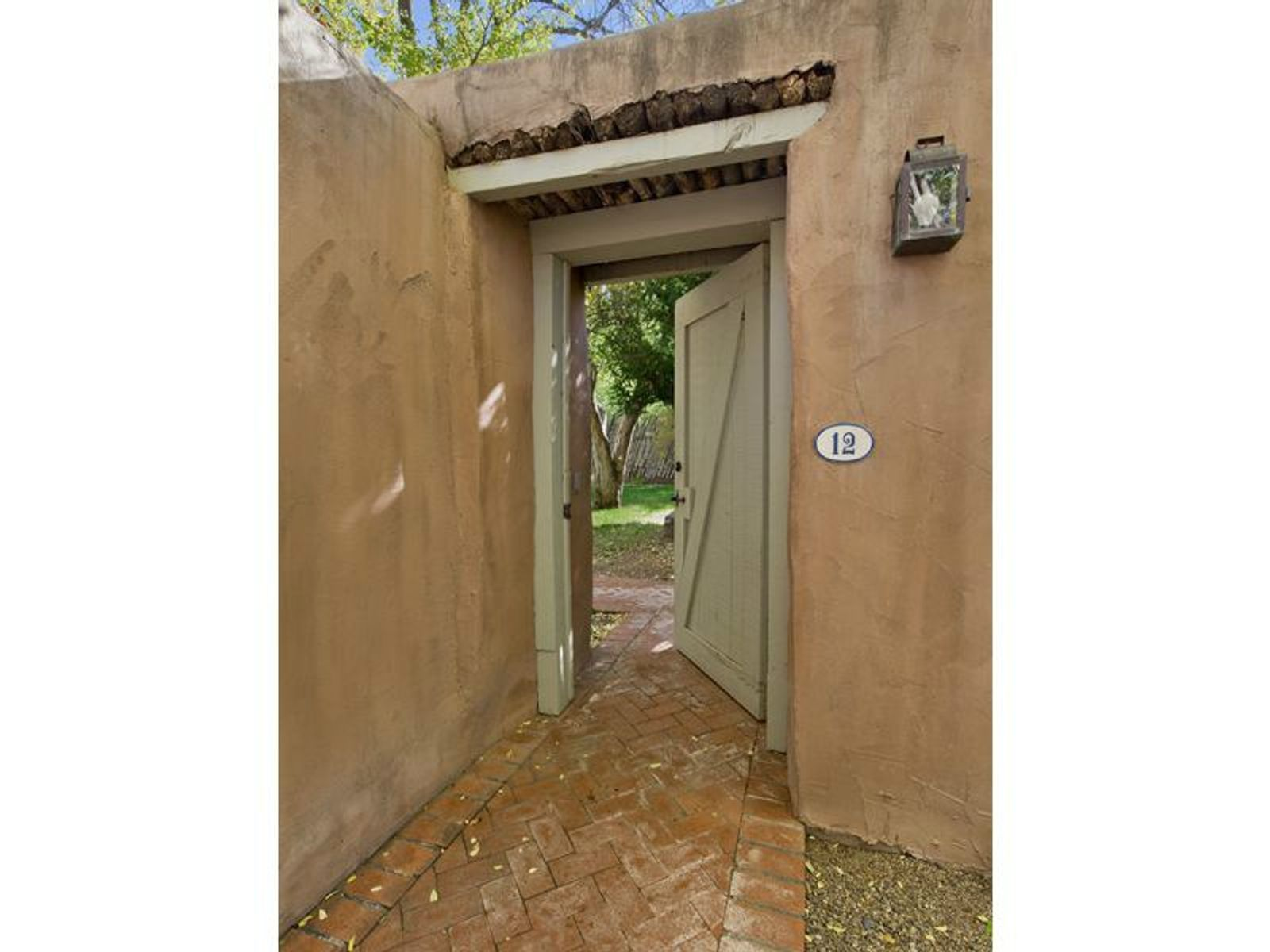 644 Canyon Road #12, Santa Fe NM Condominium - Santa Fe Real Estate