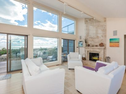 Oceanfront Retreat, Amagansett NY Single Family Home - Hamptons Real Estate