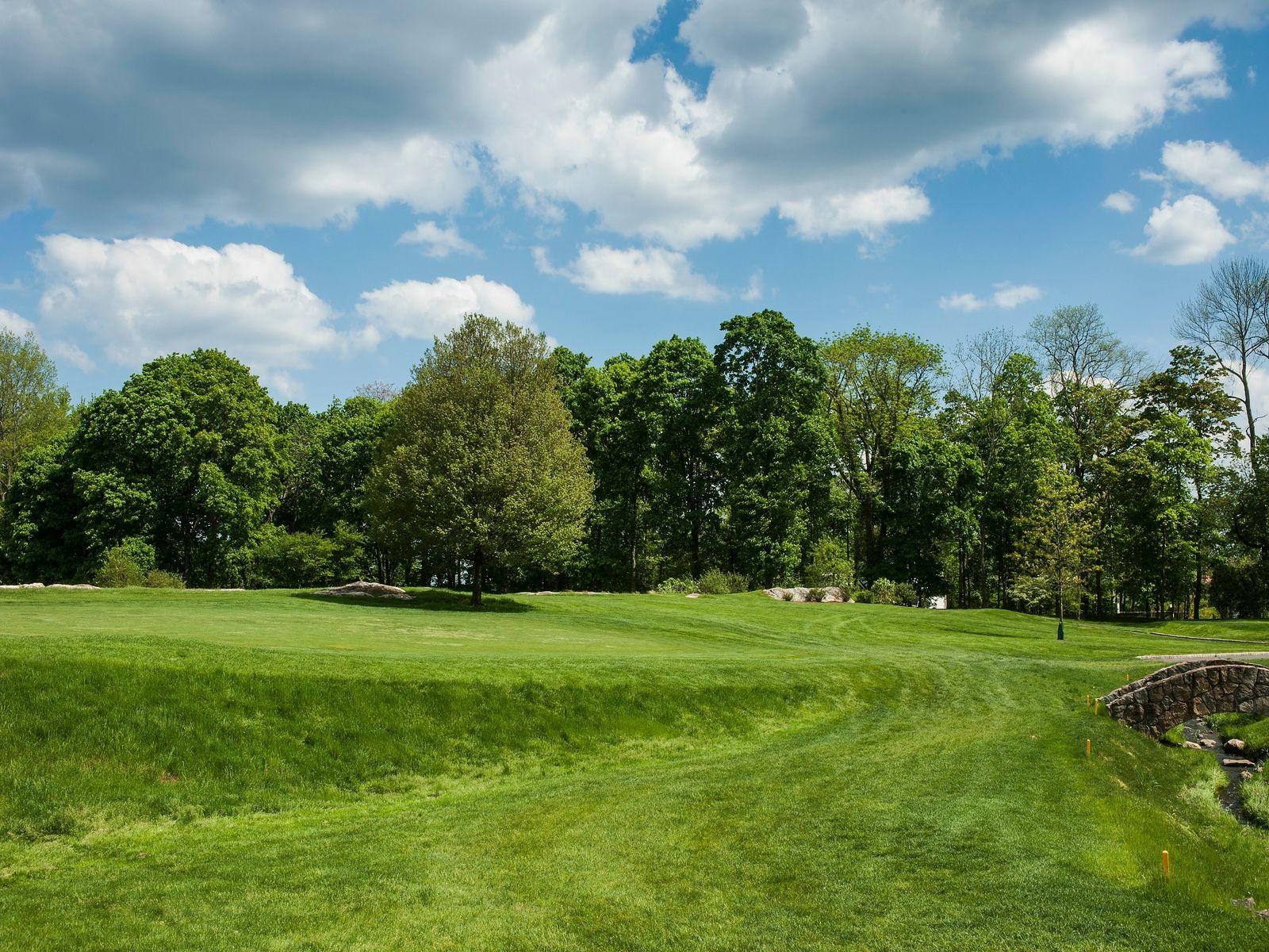 Golf Club Road
