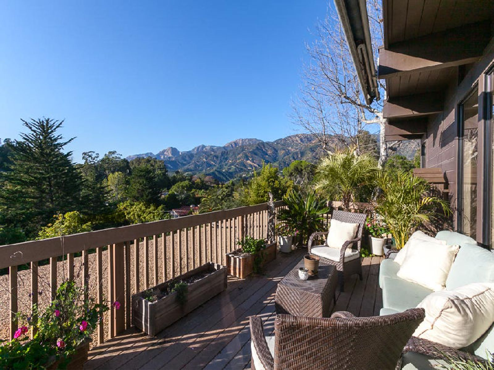 Master Bedroom Deck - Incredible Mountain View