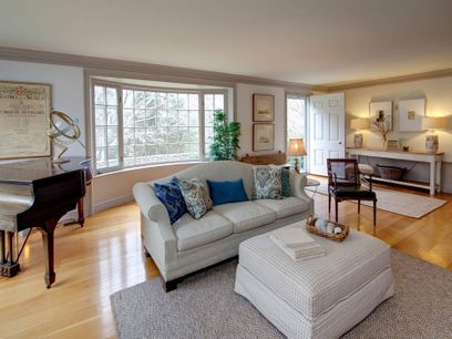 Gracious Living In Saconesset Hills Falmouth Ma Single