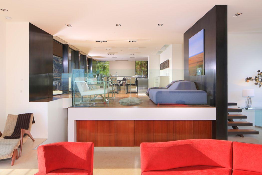1571 Haslam Terrace Los Angeles, CA 90069