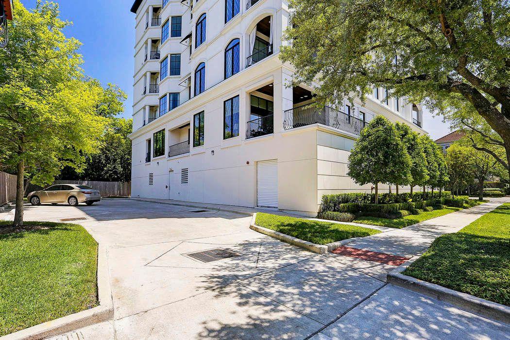 1742 Sunset Boulevard Houston, TX 77005