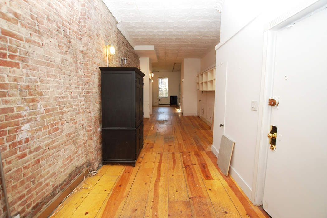 140 West 83rd Street, Parlor