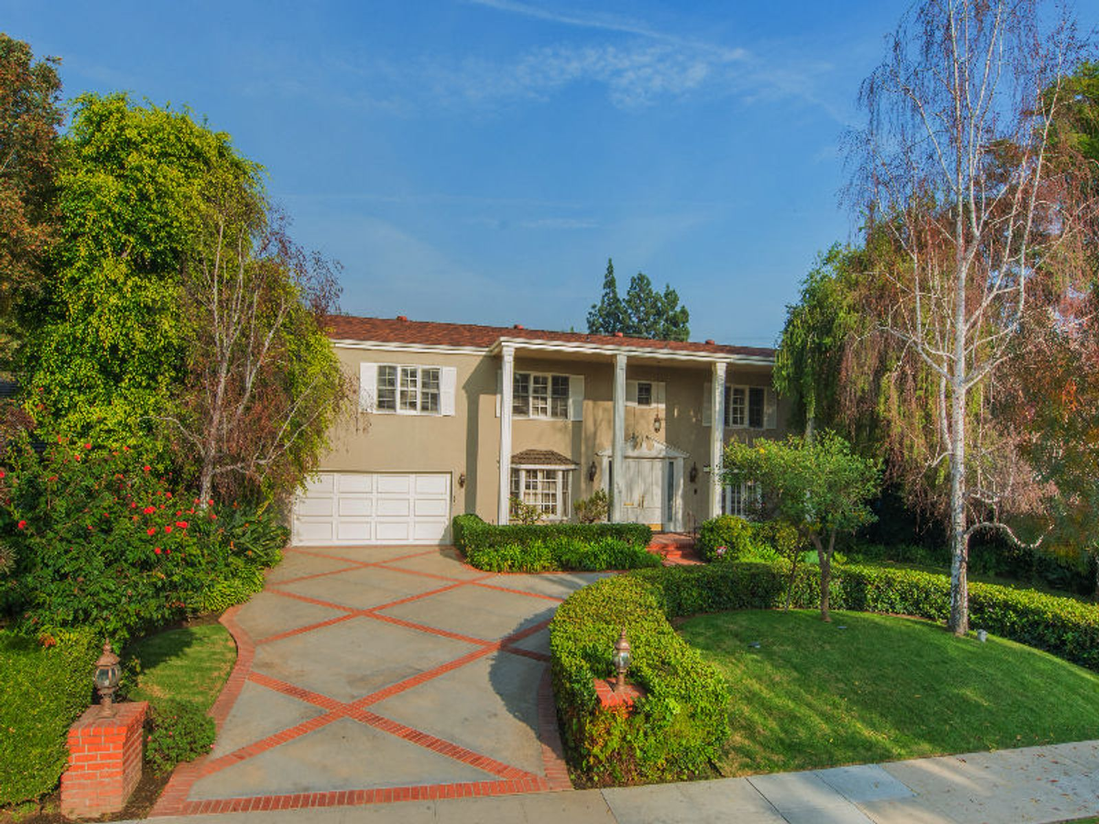 Elegant Beverly Hills Flats Traditional, Beverly Hills CA Single Family Home - Los Angeles Real Estate
